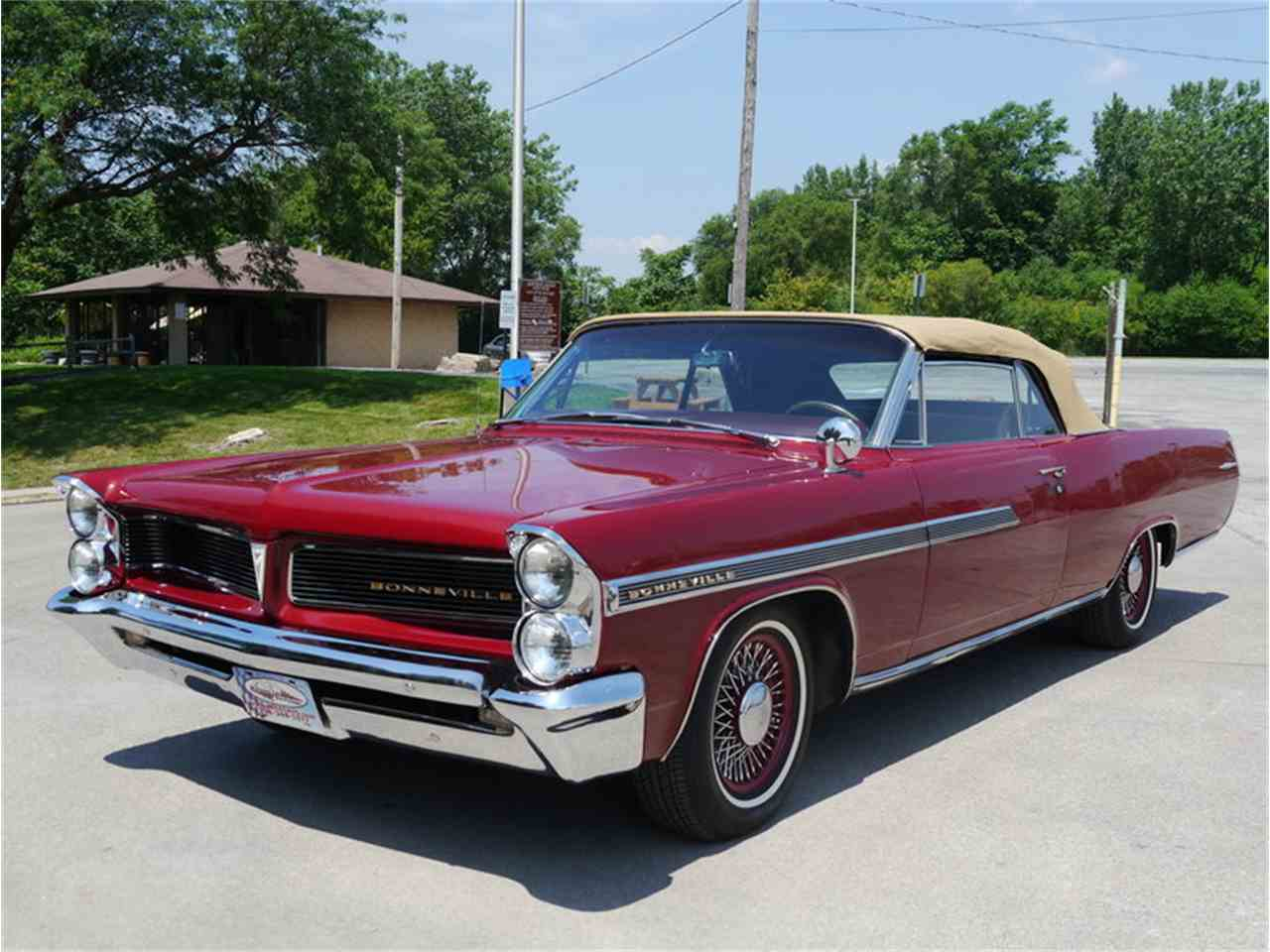 Large Picture of Classic '63 Bonneville located in Illinois - $29,900.00 Offered by Midwest Car Exchange - LAZG