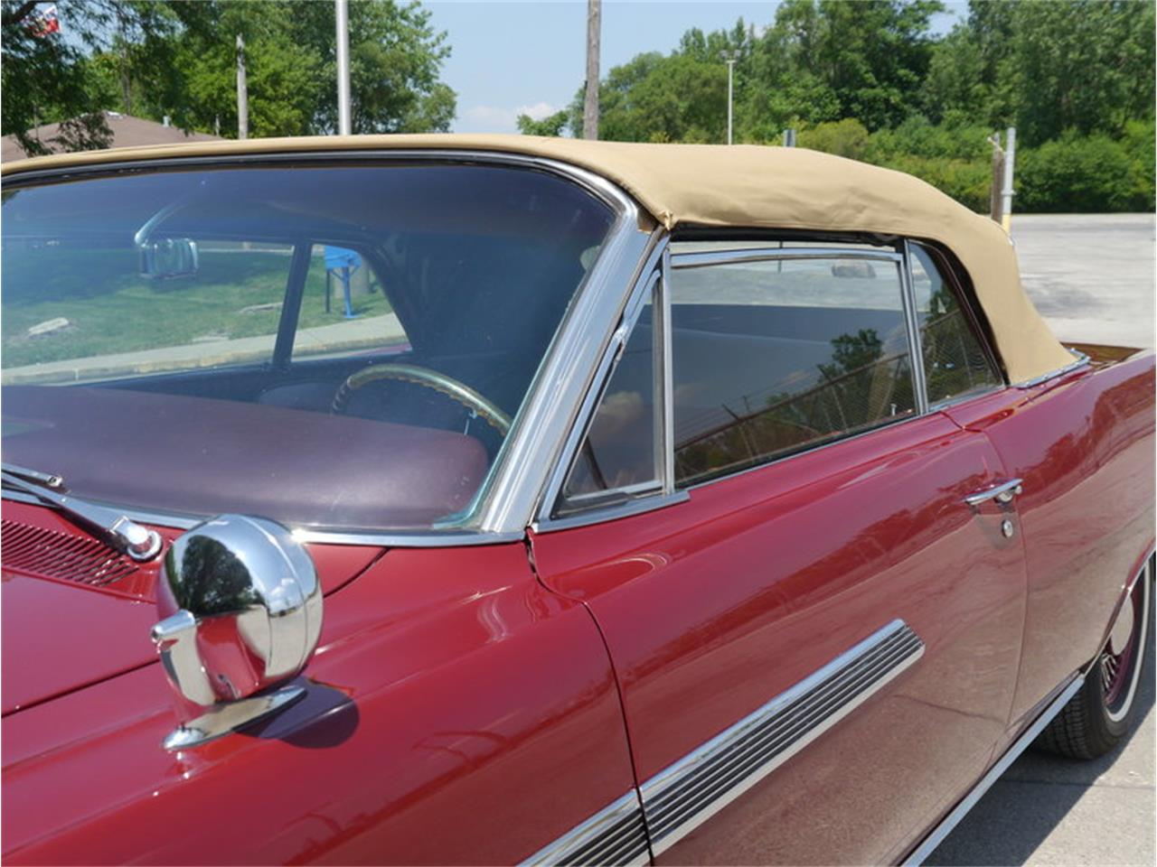 Large Picture of 1963 Pontiac Bonneville - $29,900.00 Offered by Midwest Car Exchange - LAZG