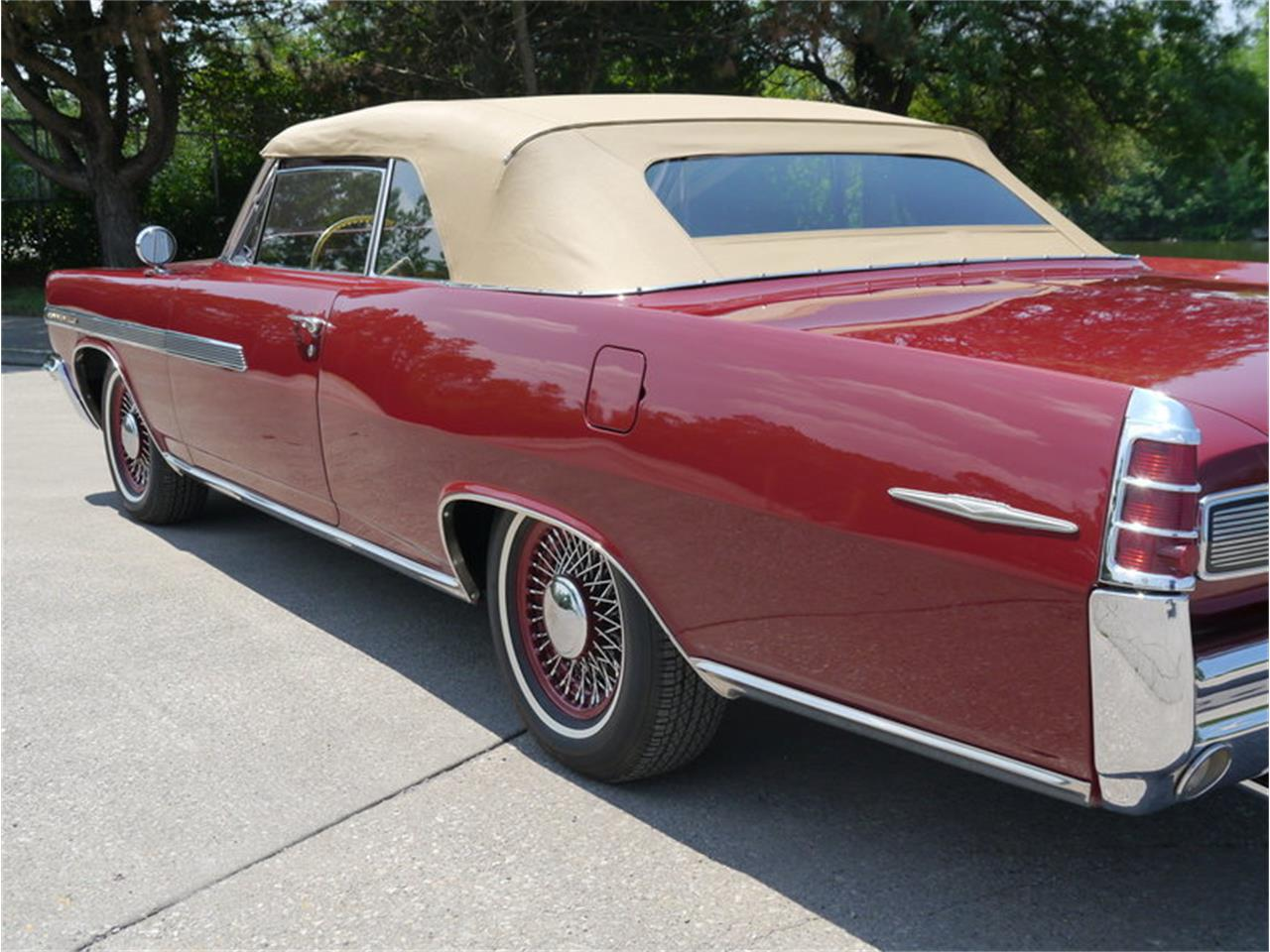 Large Picture of '63 Bonneville located in Alsip Illinois Offered by Midwest Car Exchange - LAZG