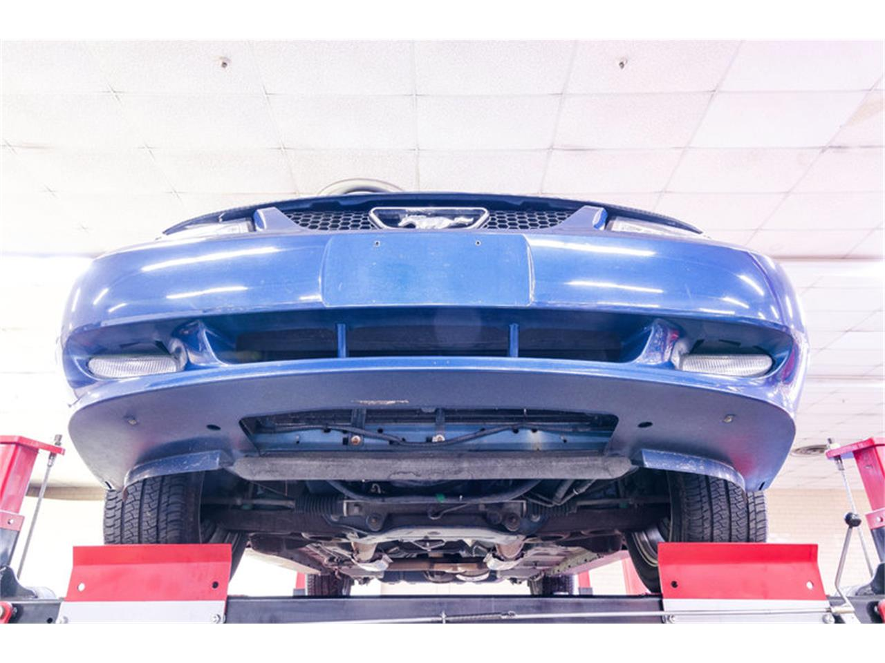 Large Picture of '00 Ford Mustang located in North Carolina - $7,995.00 - LB01