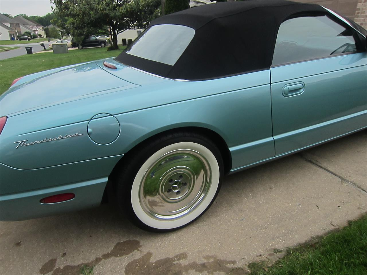 Large Picture of '02 Ford Thunderbird - $17,000.00 Offered by a Private Seller - LB2F