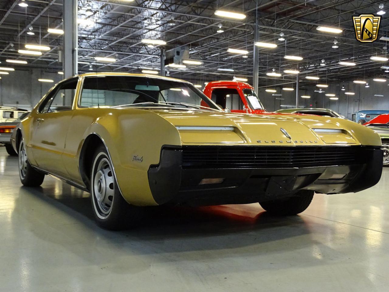 Large Picture of Classic '66 Oldsmobile Toronado - L87I