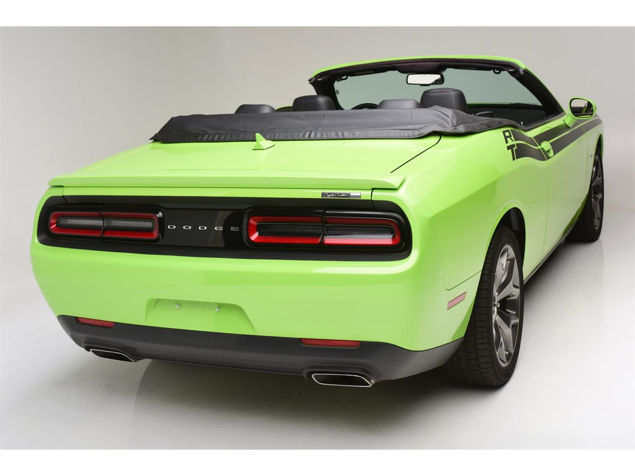 Large Picture of '15 Challenger R/T - LB33