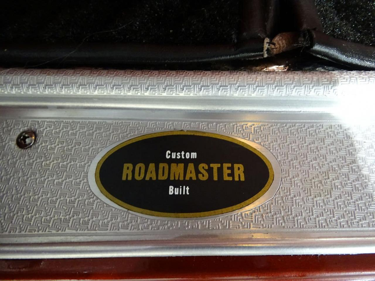 Large Picture of '53 Roadmaster - LB41