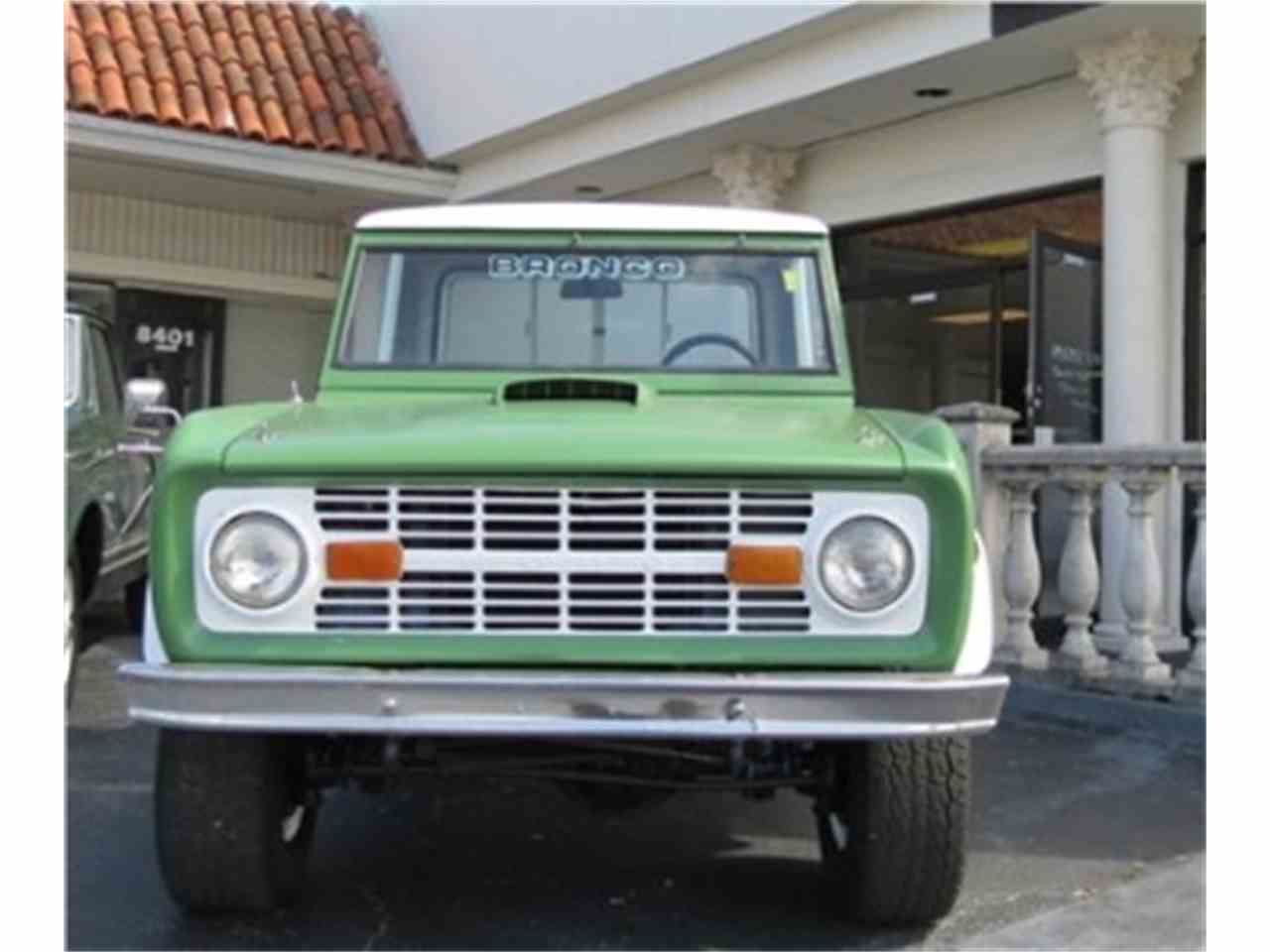 Large Picture of '71 Bronco - LB9A
