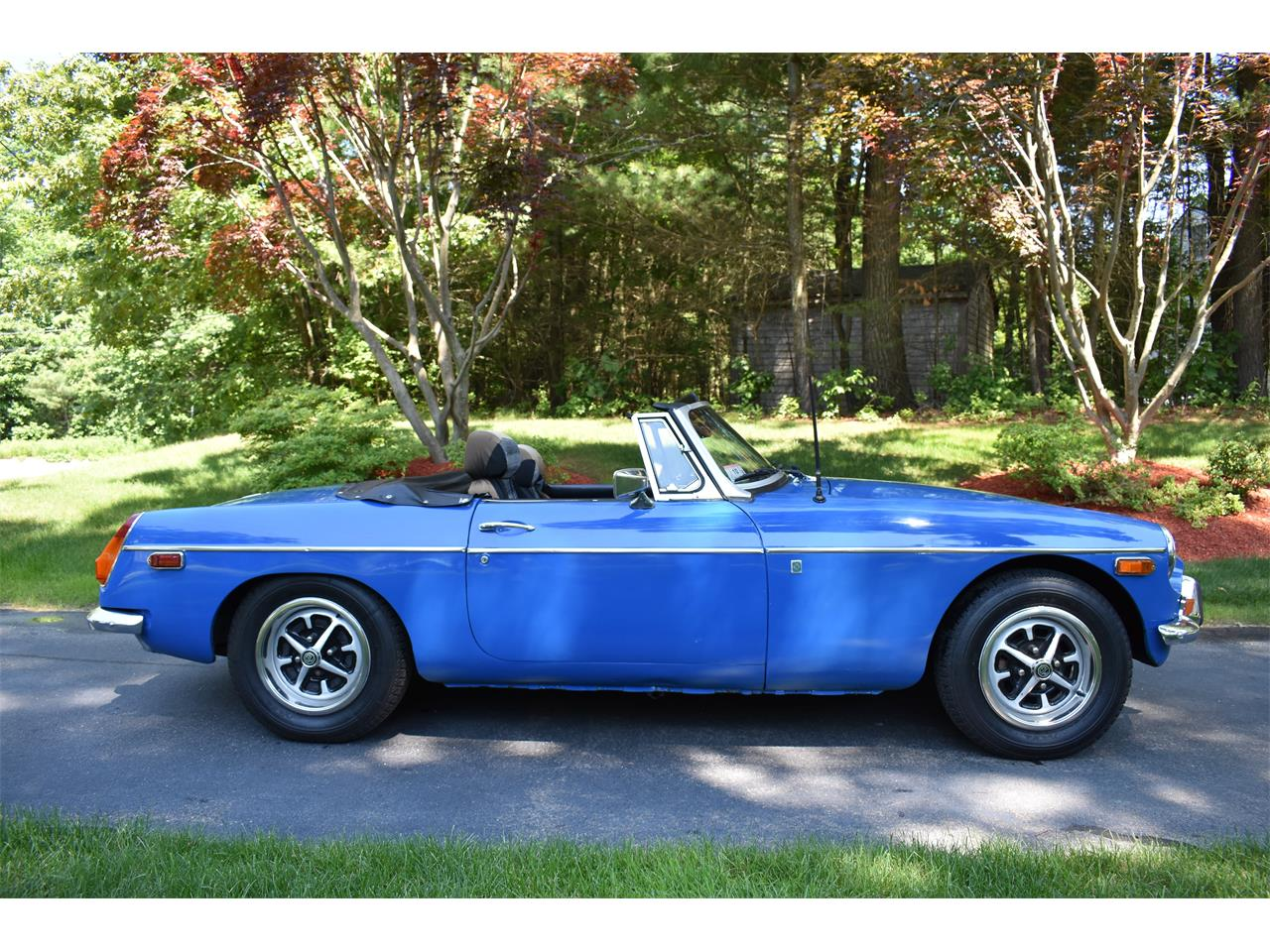 Large Picture of '74 MG MGB located in Massachusetts - $7,500.00 - LB9Q