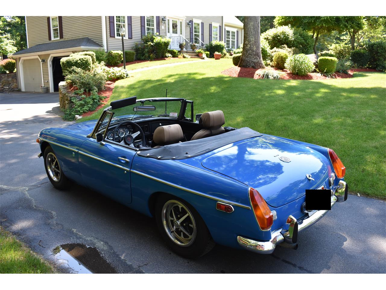 Large Picture of '74 MGB located in Massachusetts - $7,500.00 Offered by a Private Seller - LB9Q