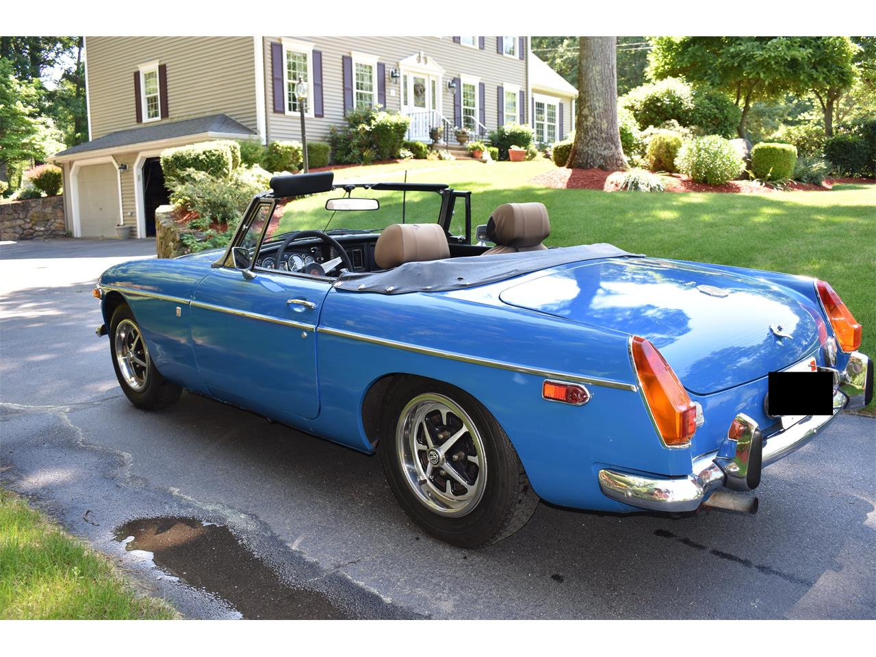 Large Picture of 1974 MG MGB Offered by a Private Seller - LB9Q