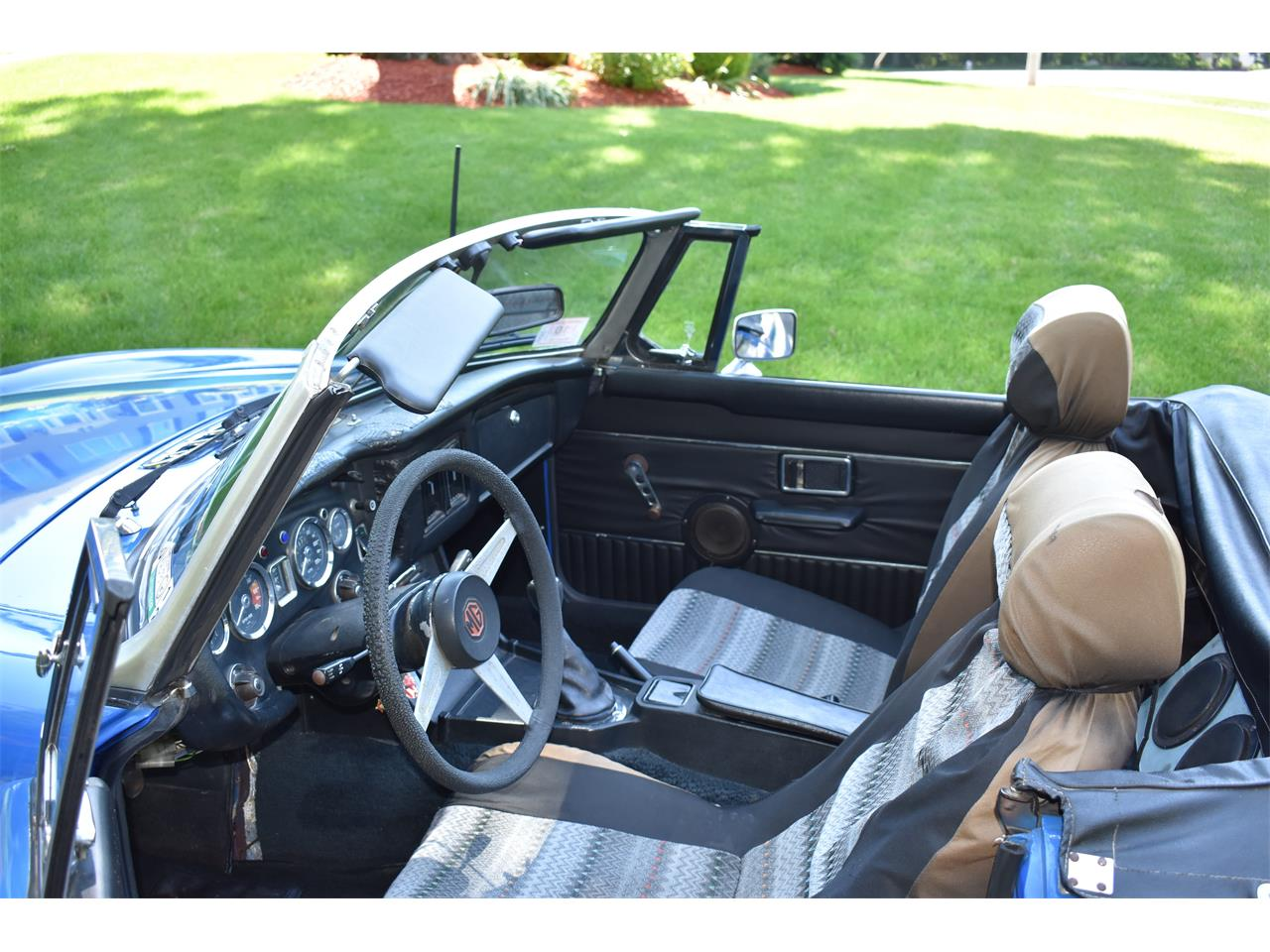 Large Picture of 1974 MG MGB located in Franklin Massachusetts - $7,500.00 Offered by a Private Seller - LB9Q
