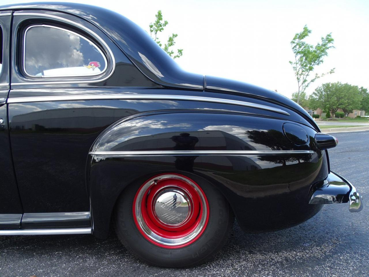 Large Picture of 1946 Ford Coupe - LBDX