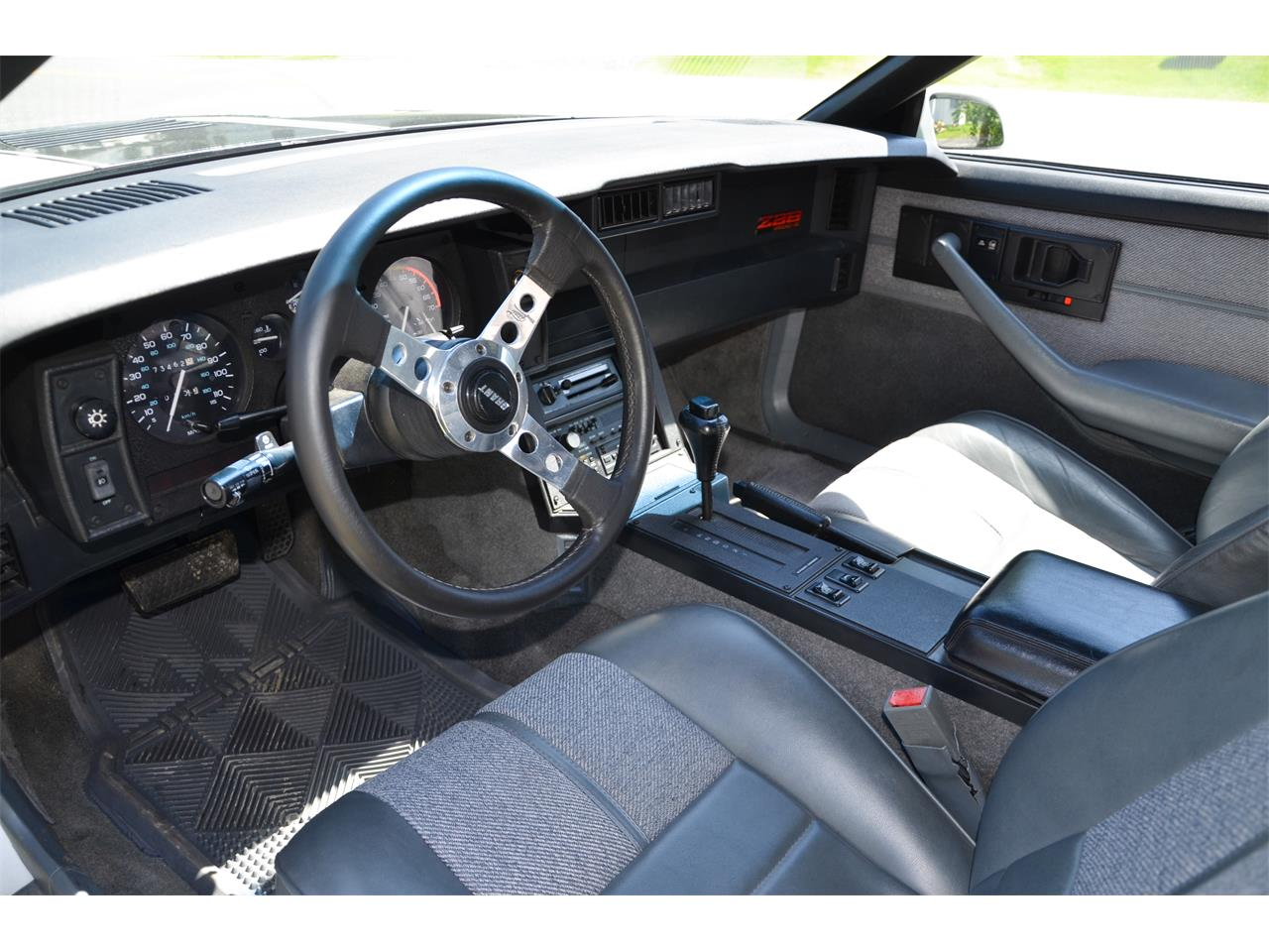 Large Picture of '89 Camaro IROC-Z - $14,000.00 - LBGQ