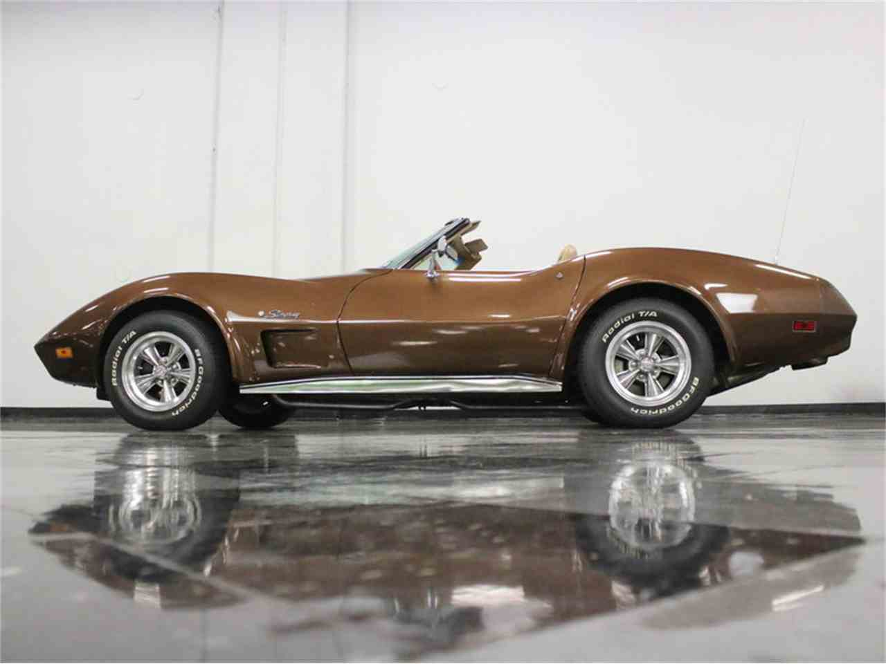 Large Picture of 1974 Corvette located in Ft Worth Texas Offered by Streetside Classics - Dallas / Fort Worth - LBK6