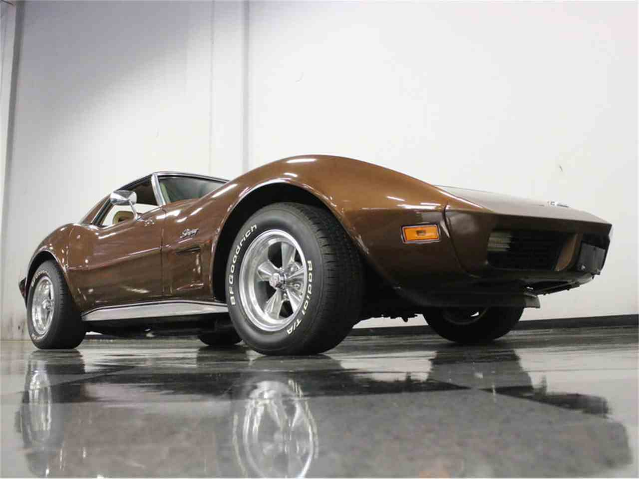 Large Picture of '74 Chevrolet Corvette Offered by Streetside Classics - Dallas / Fort Worth - LBK6