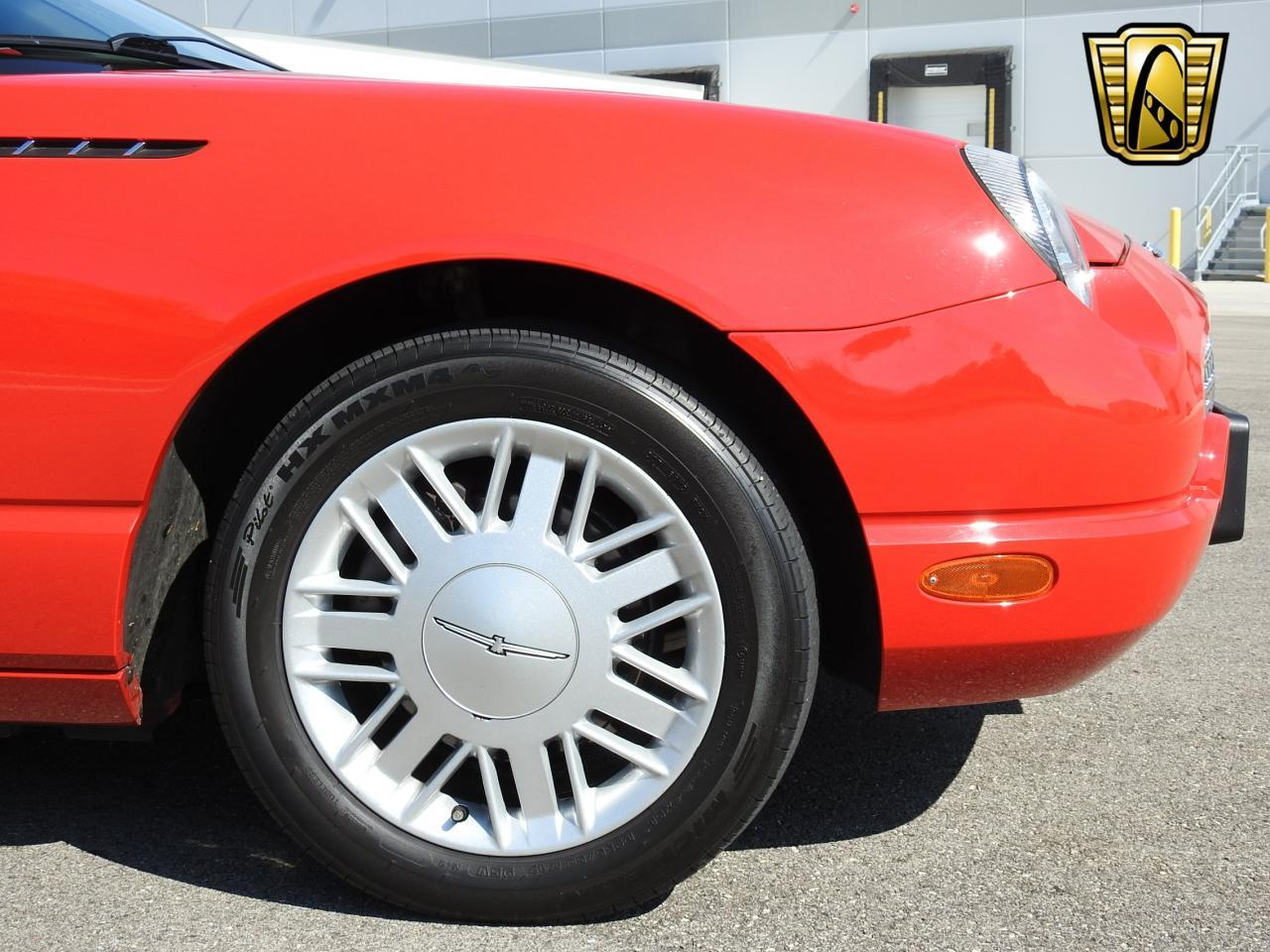 Large Picture of '02 Ford Thunderbird located in Wisconsin - $19,995.00 - LBSH