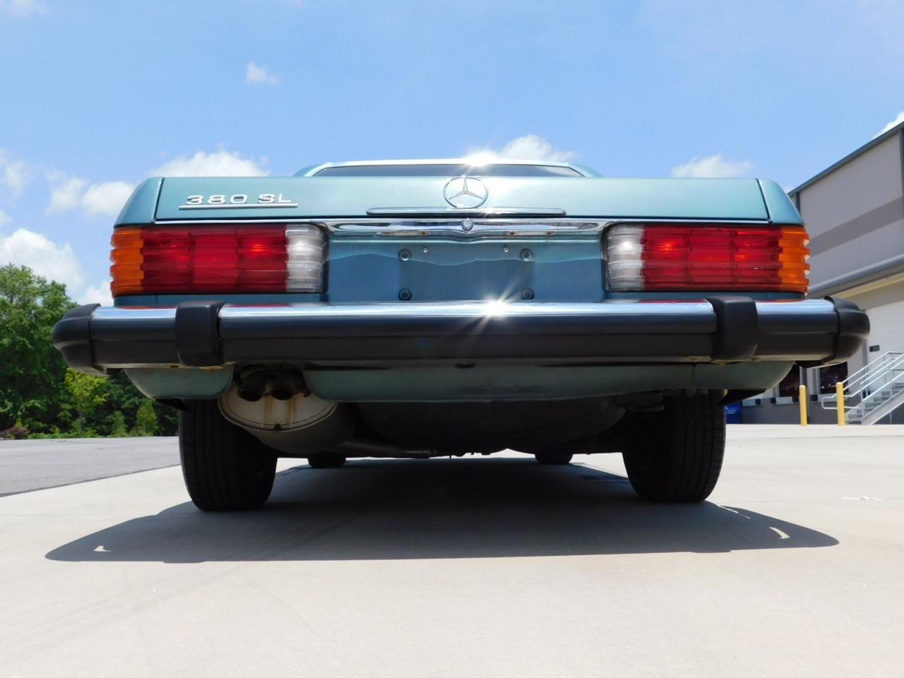 Large Picture of '85 380SL located in Georgia Offered by Gateway Classic Cars - Atlanta - LBSX