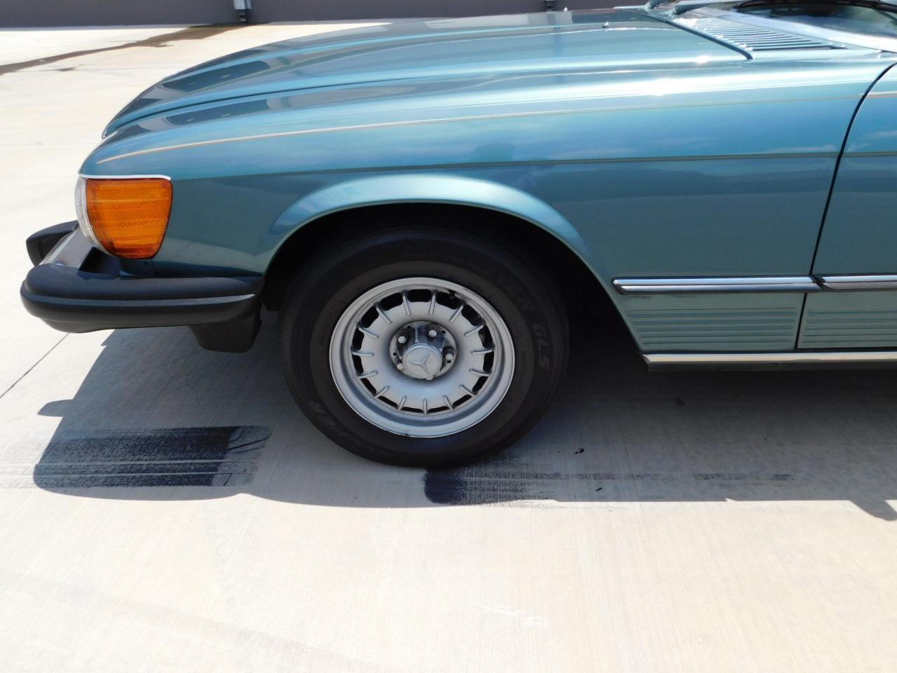 Large Picture of '85 380SL - $13,595.00 Offered by Gateway Classic Cars - Atlanta - LBSX