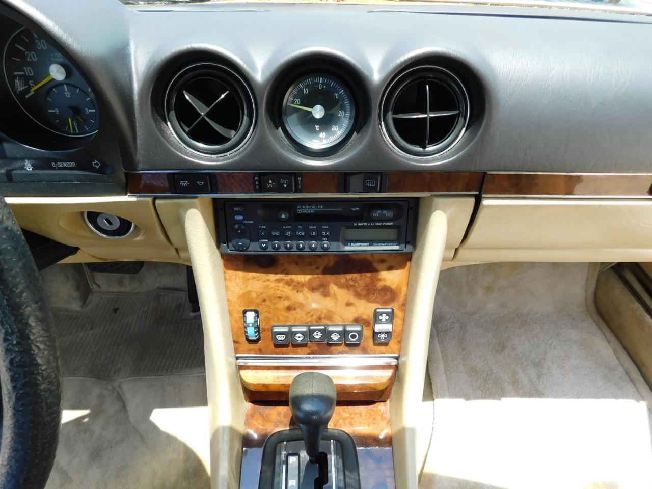 Large Picture of 1985 380SL located in Alpharetta Georgia Offered by Gateway Classic Cars - Atlanta - LBSX