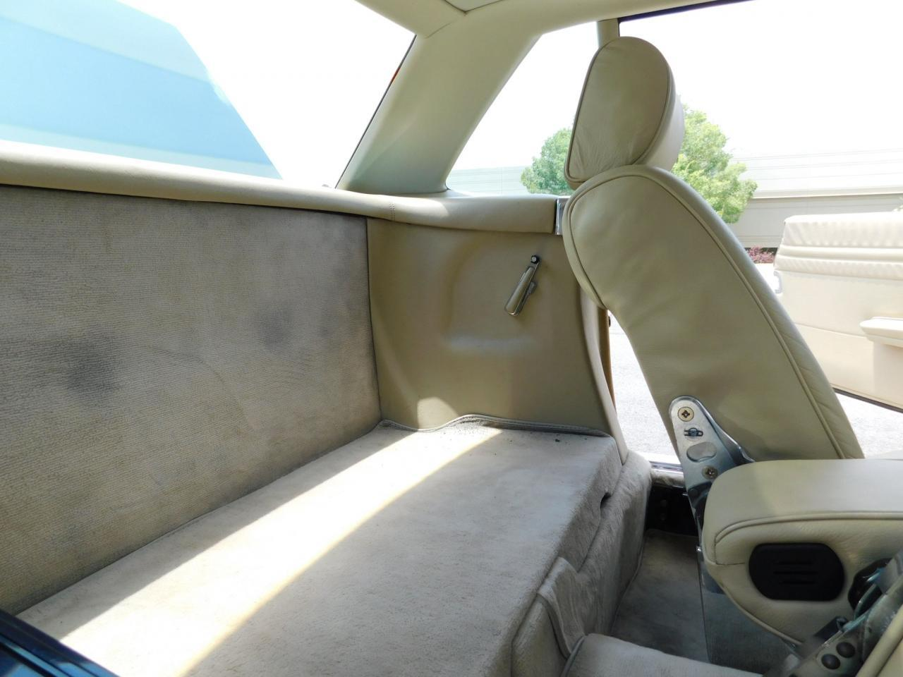 Large Picture of 1985 Mercedes-Benz 380SL located in Georgia Offered by Gateway Classic Cars - Atlanta - LBSX
