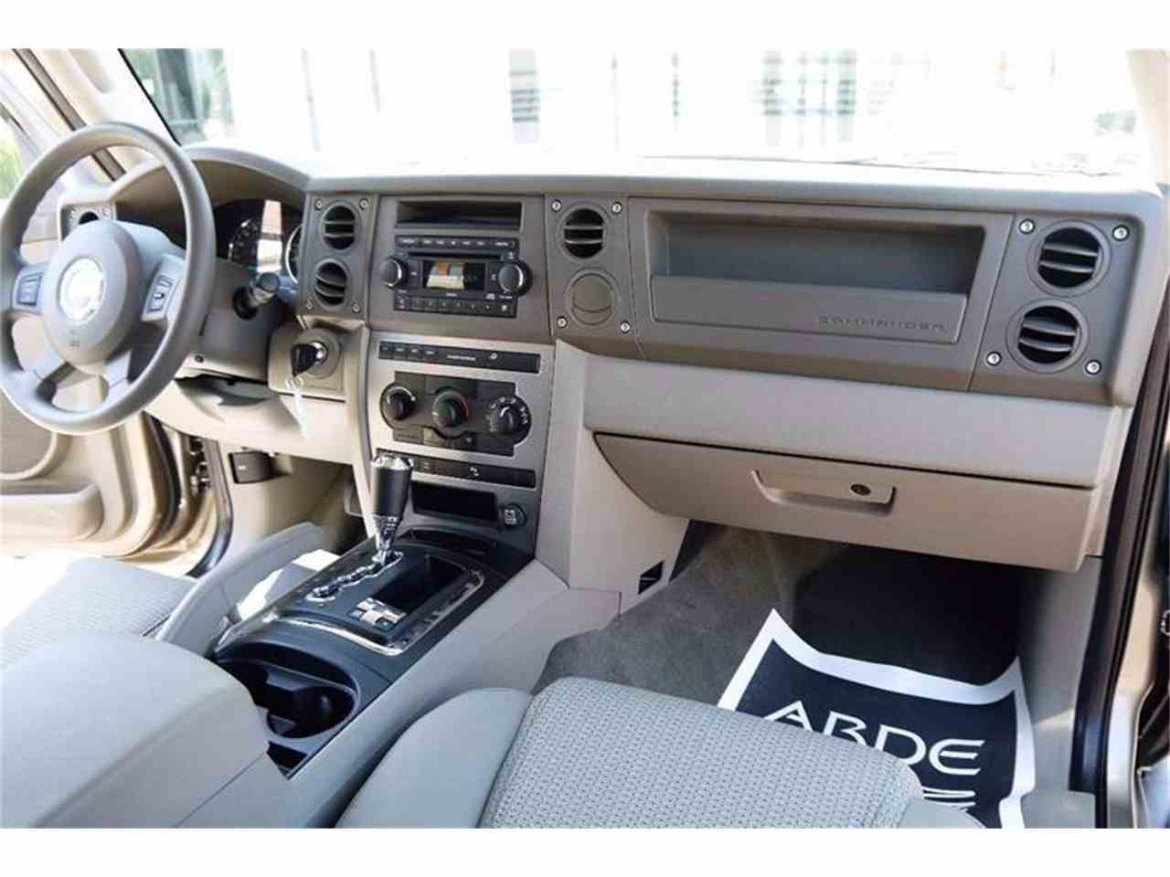 Large Picture of 2006 Jeep Commander located in Brentwood Tennessee - $24,900.00 - LBTI
