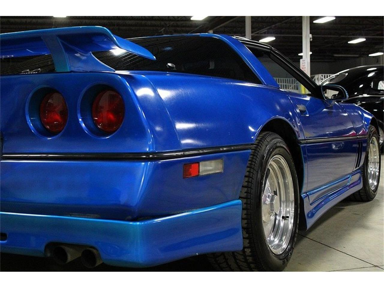 Large Picture of '85 Chevrolet Corvette Offered by GR Auto Gallery - LBV1