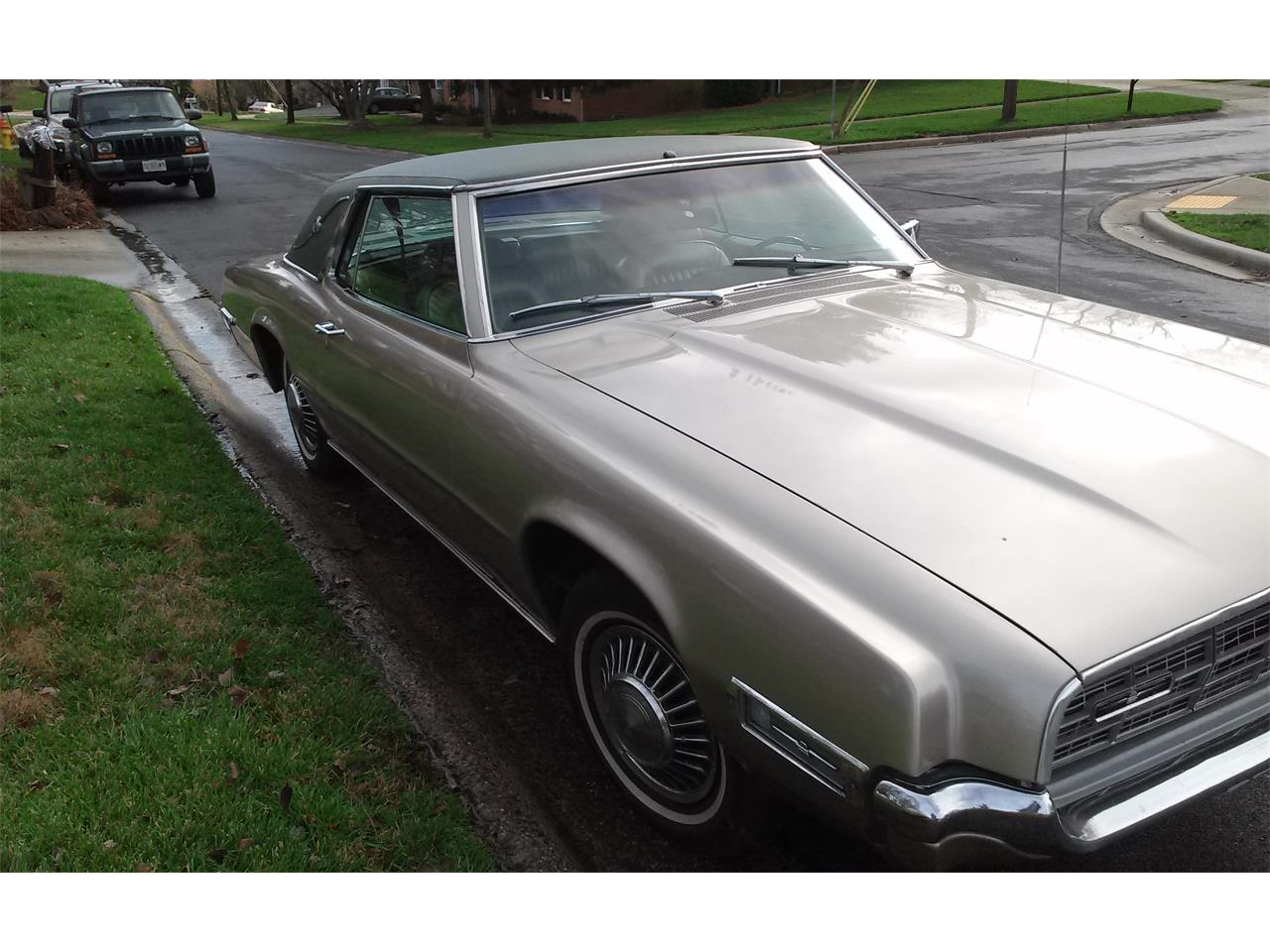 Large Picture of Classic 1968 Thunderbird located in Rockville Maryland - $8,275.00 - LBWD