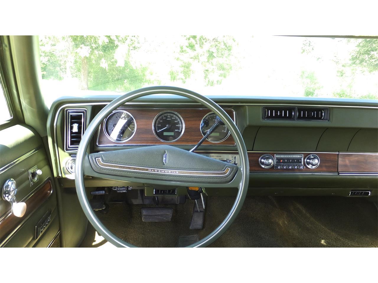 Large Picture of 1971 Vista Cruiser - LBXI