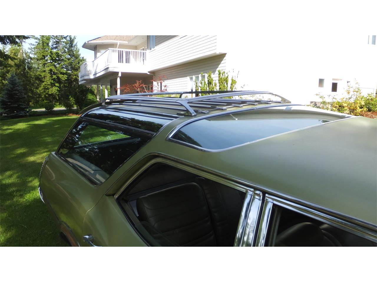 Large Picture of Classic 1971 Oldsmobile Vista Cruiser located in Enderby B.C. - $15,500.00 - LBXI