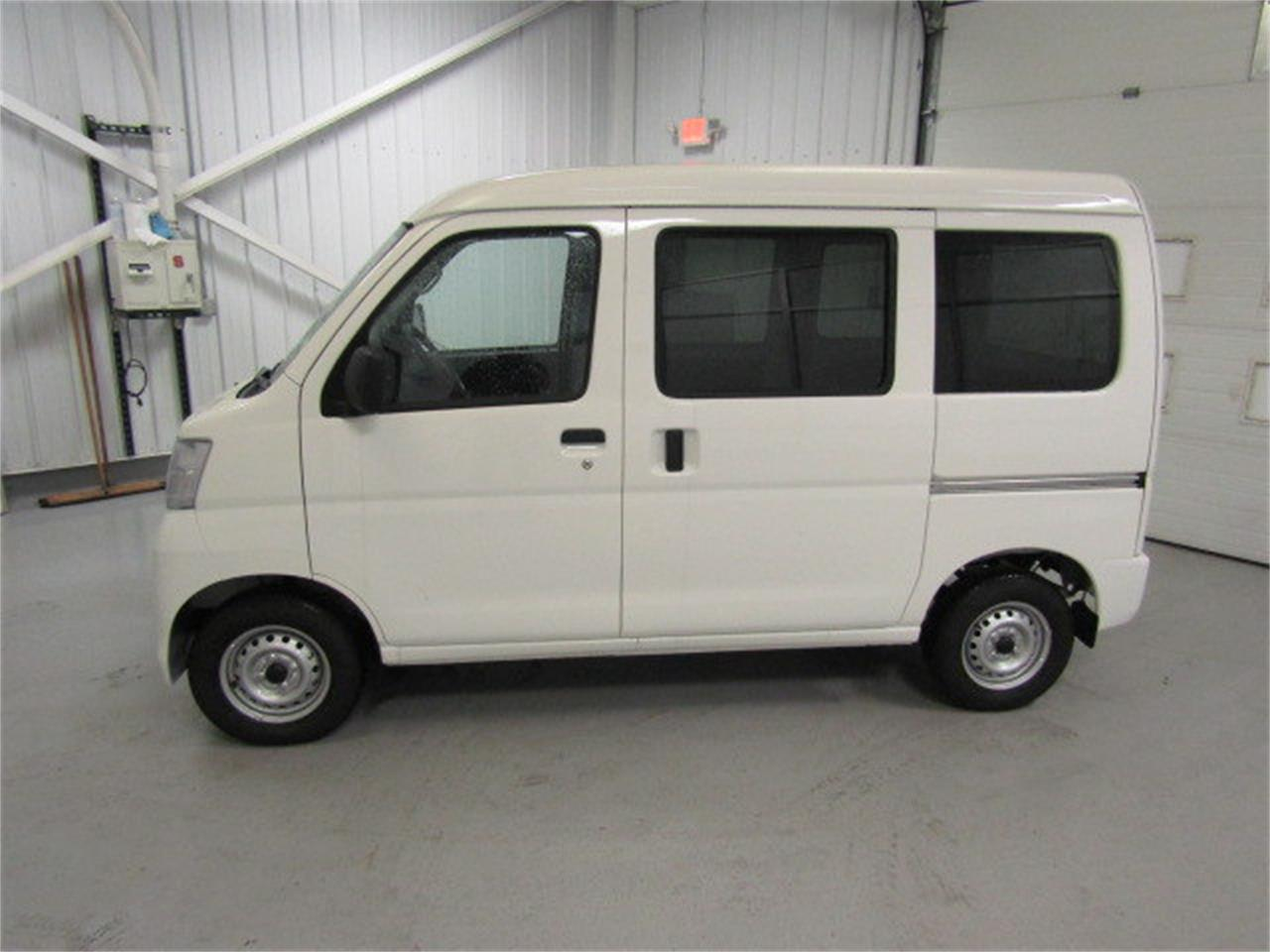 Large Picture of '17 HiJet located in Christiansburg Virginia Offered by Duncan Imports & Classic Cars - LBXV