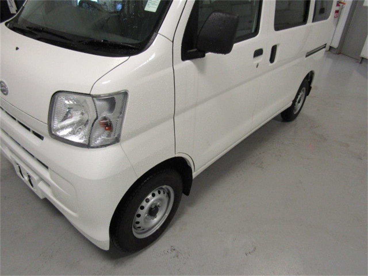 Large Picture of '17 Daihatsu HiJet - $15,900.00 Offered by Duncan Imports & Classic Cars - LBXV