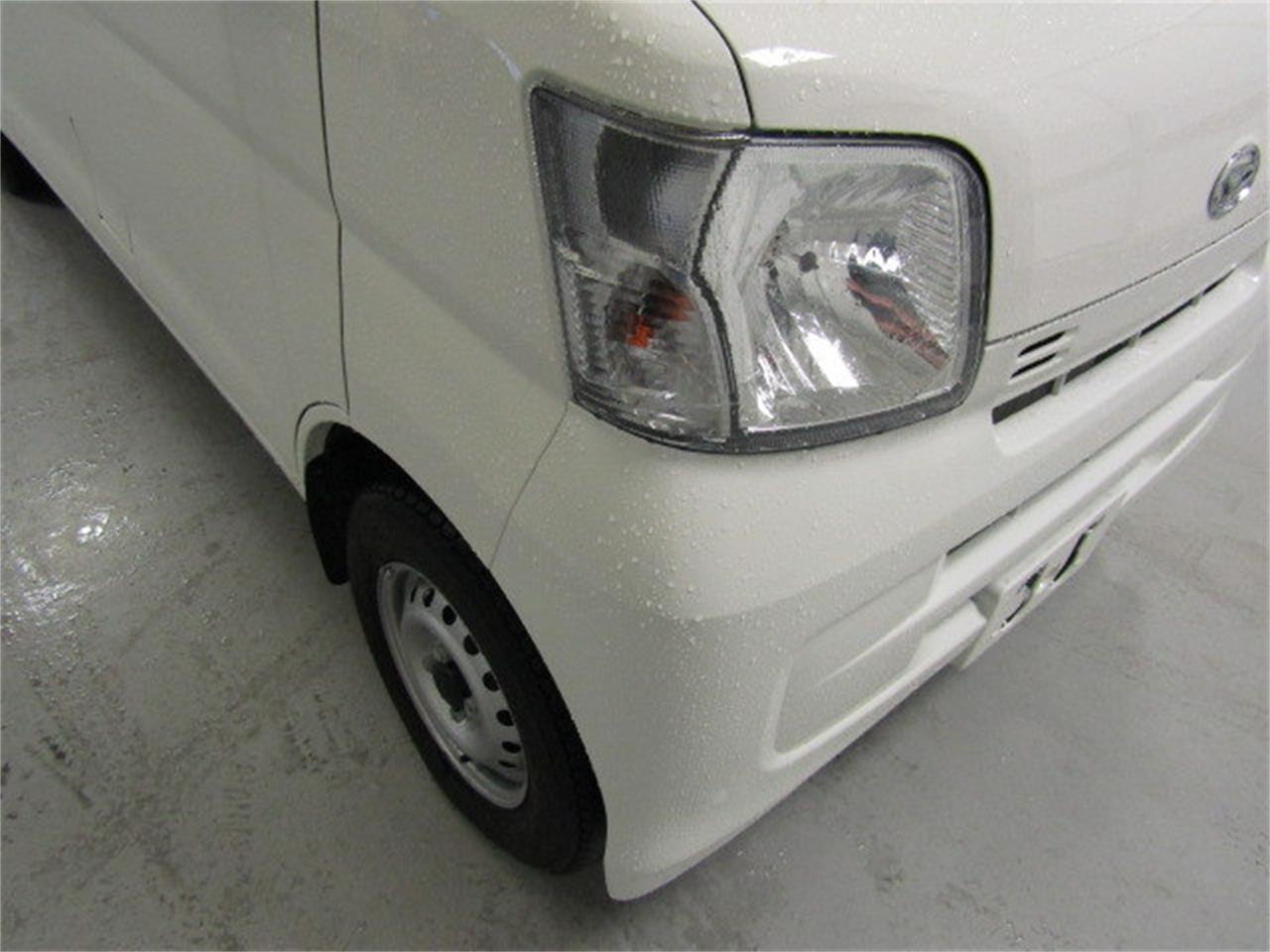 Large Picture of '17 Daihatsu HiJet - LBXV