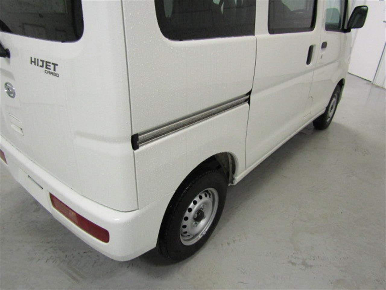 Large Picture of '17 Daihatsu HiJet located in Virginia - $15,900.00 - LBXV