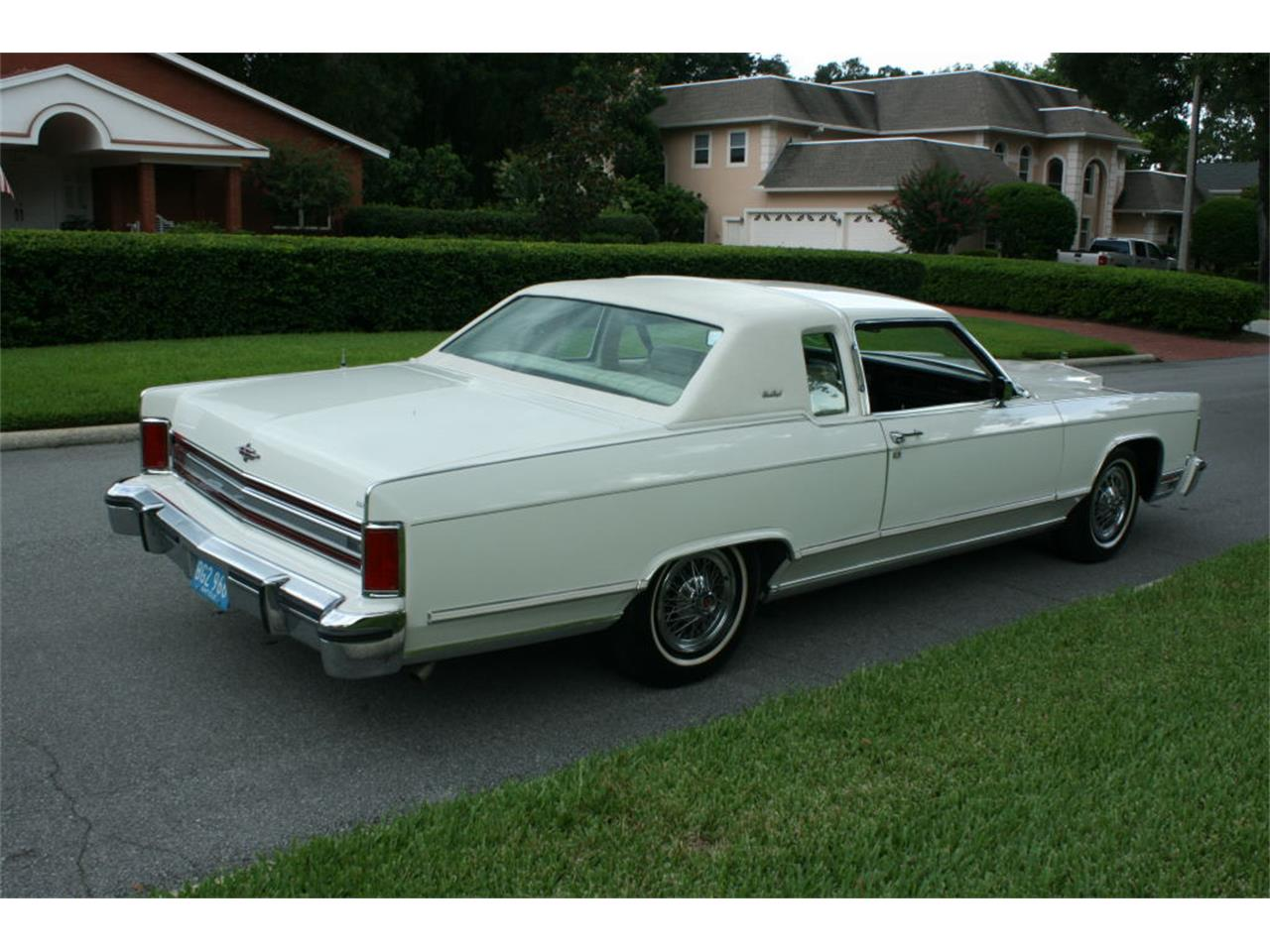 Large Picture of 1979 Lincoln Town Car located in Florida - $17,500.00 - LBZD
