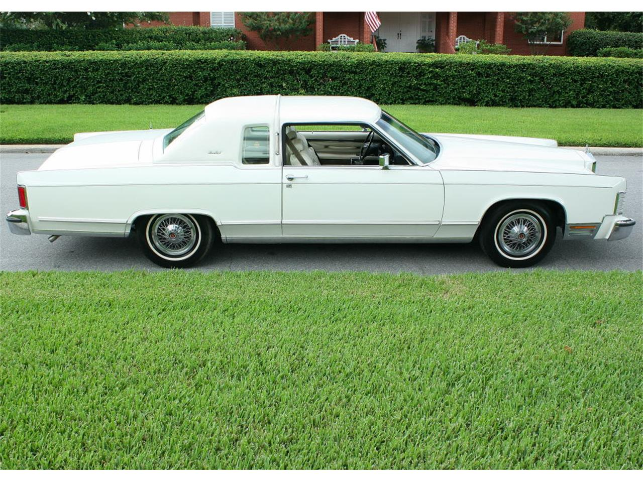 Large Picture of 1979 Town Car located in lakeland Florida - $17,500.00 Offered by MJC Classic Cars - LBZD