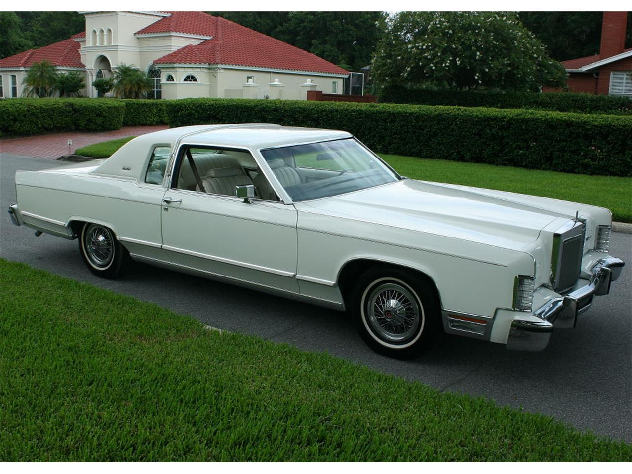 Large Picture of 1979 Town Car located in lakeland Florida Offered by MJC Classic Cars - LBZD