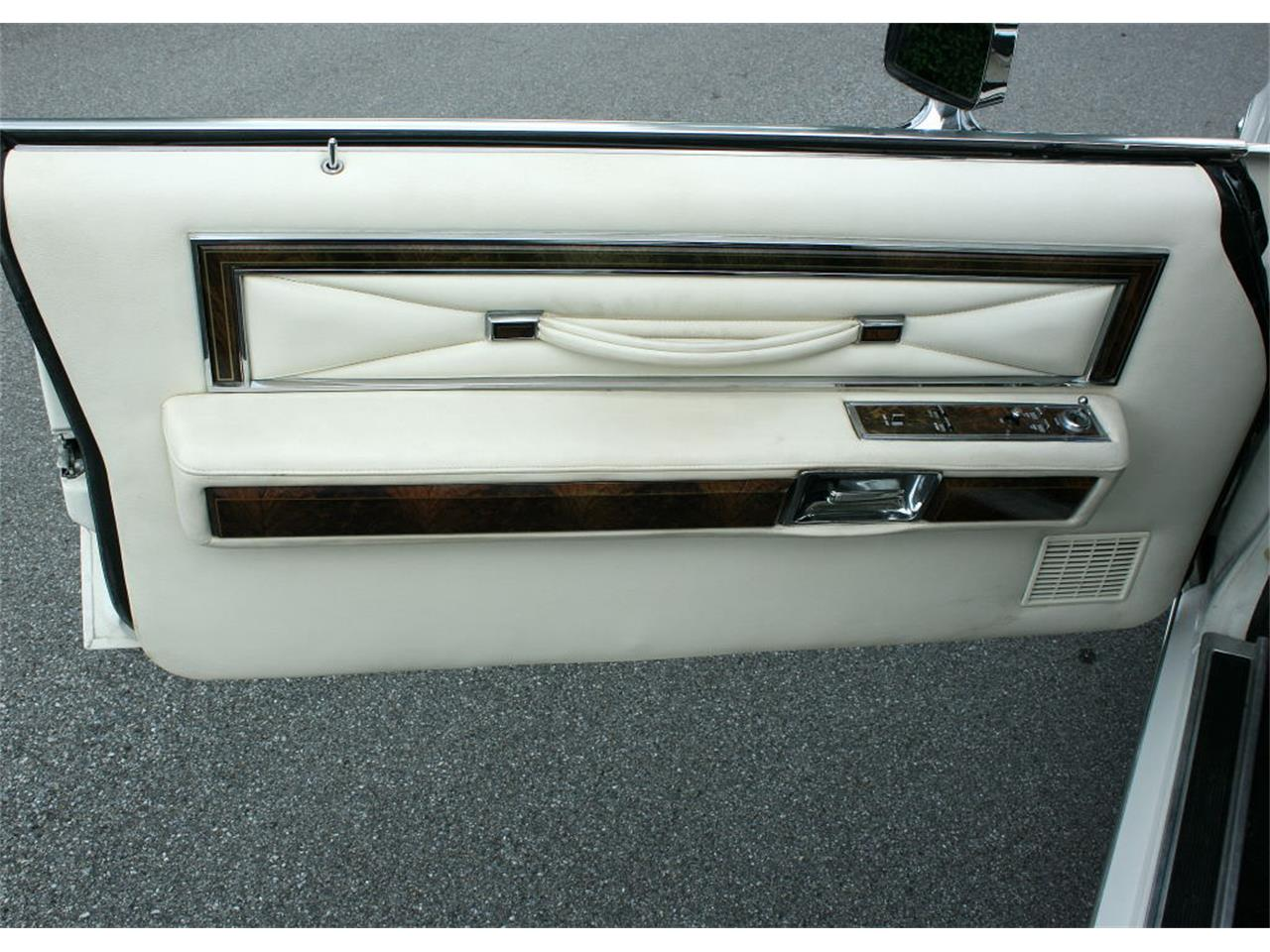 Large Picture of 1979 Lincoln Town Car located in lakeland Florida Offered by MJC Classic Cars - LBZD