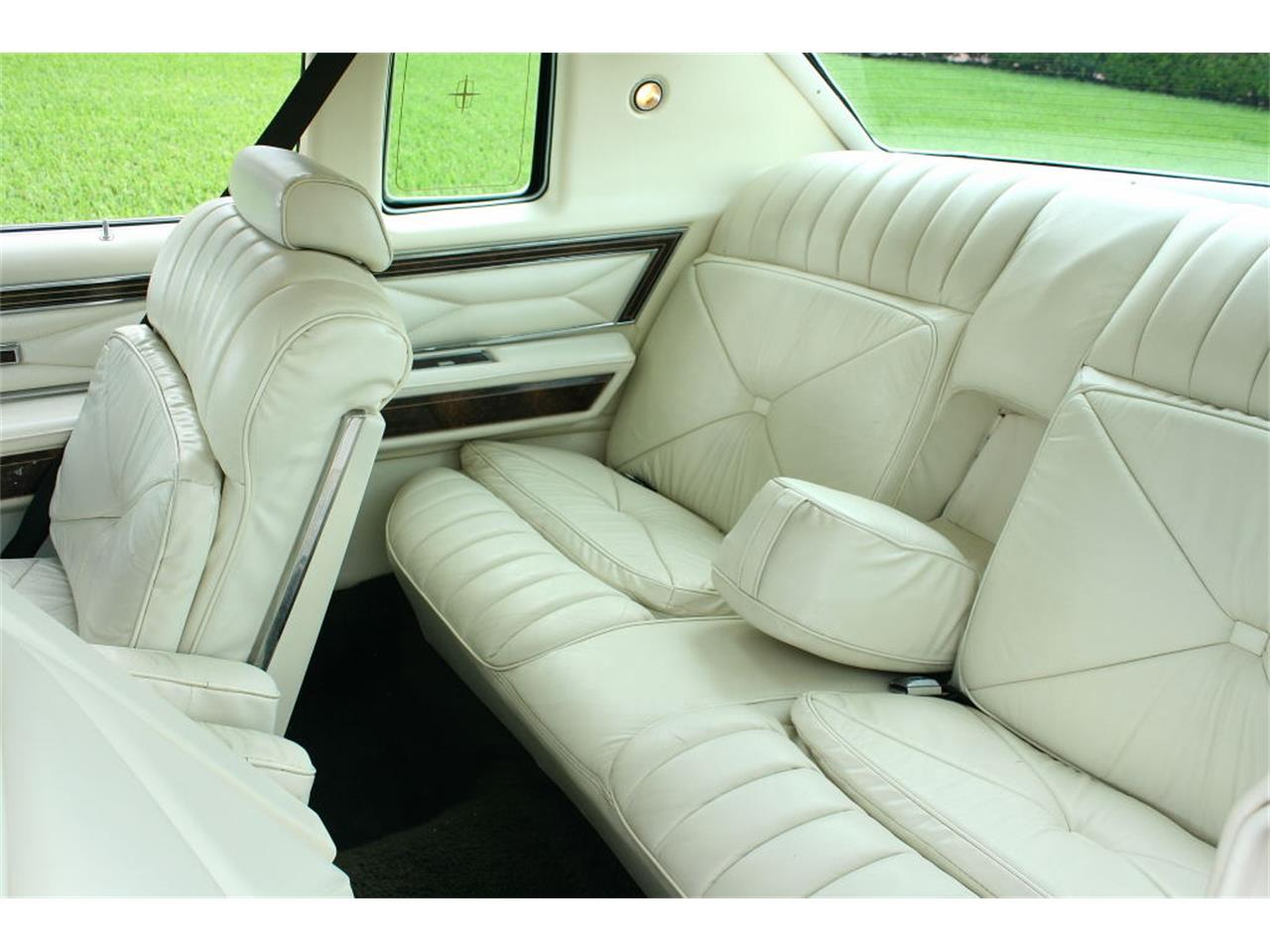 Large Picture of 1979 Lincoln Town Car Offered by MJC Classic Cars - LBZD