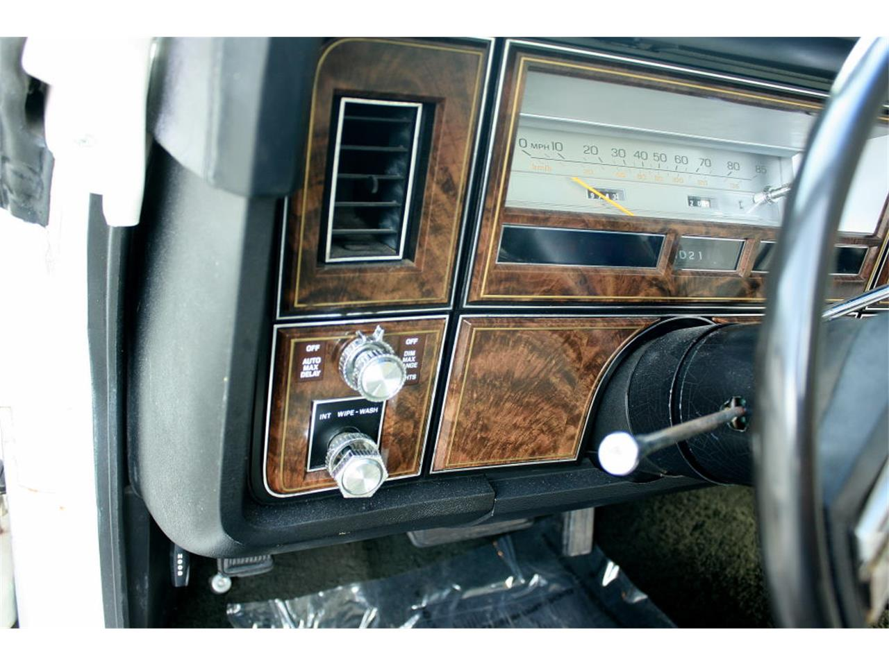 Large Picture of 1979 Lincoln Town Car - $17,500.00 - LBZD