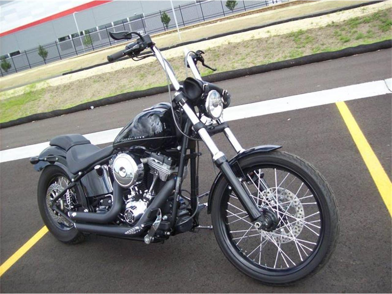 Large Picture of '11 FXS Blackline - LC56