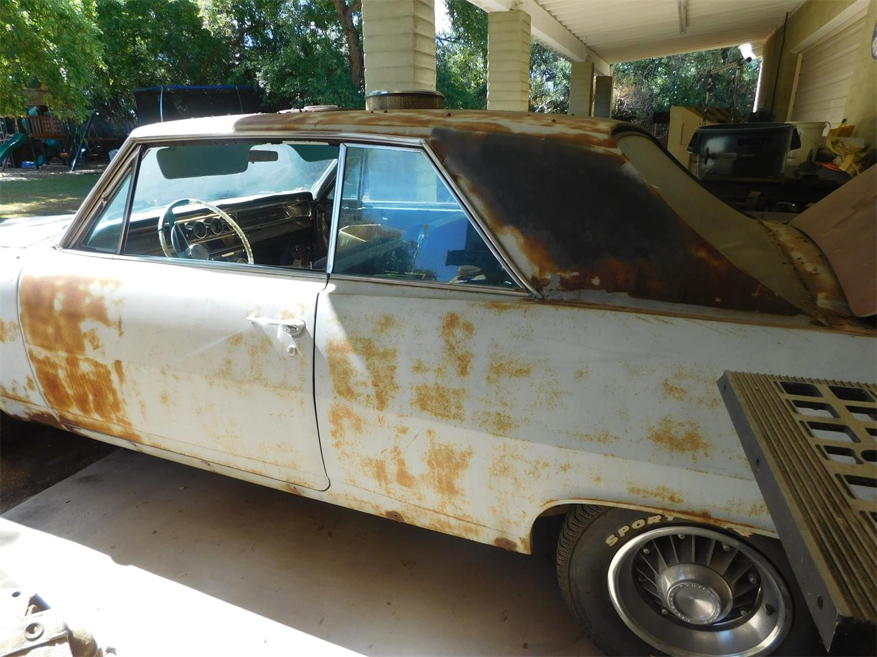 Large Picture of 1963 Pontiac Grand Prix located in Scottsdale Arizona Offered by Classic Car Pal - LC6P