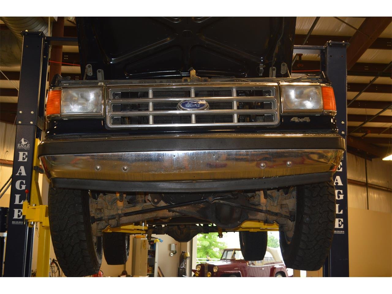 Large Picture of '88 Bronco - LC6W