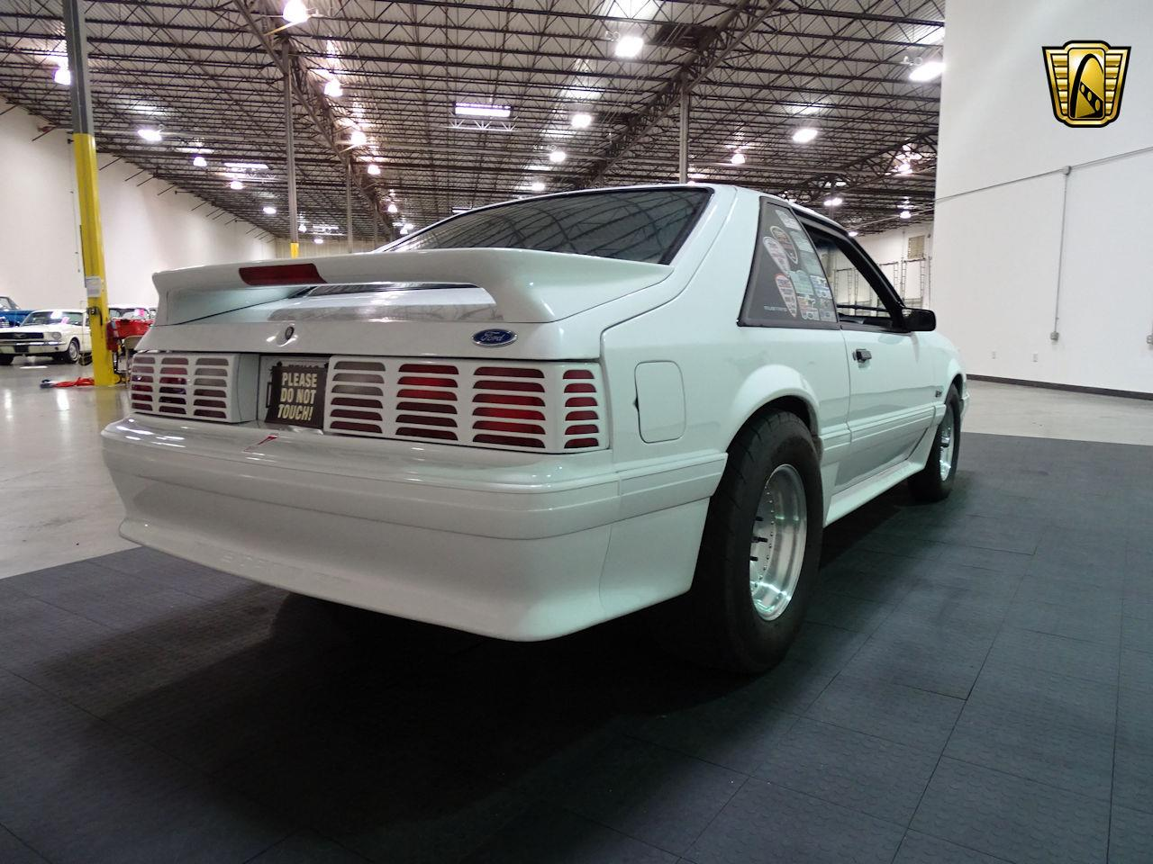 Large Picture of '92 Ford Mustang located in Houston Texas - LC8L