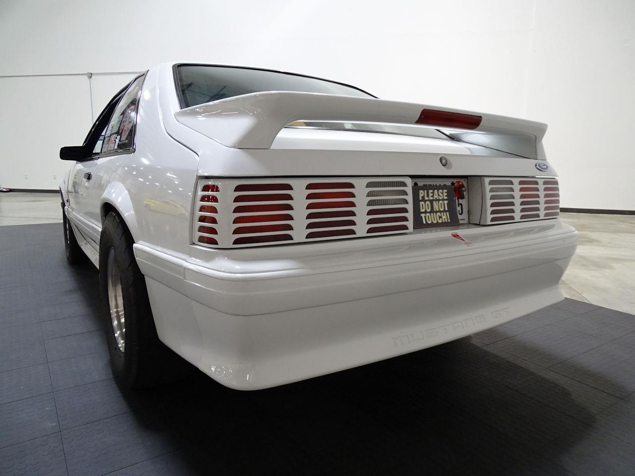 Large Picture of 1992 Ford Mustang located in Texas - $14,995.00 Offered by Gateway Classic Cars - Houston - LC8L