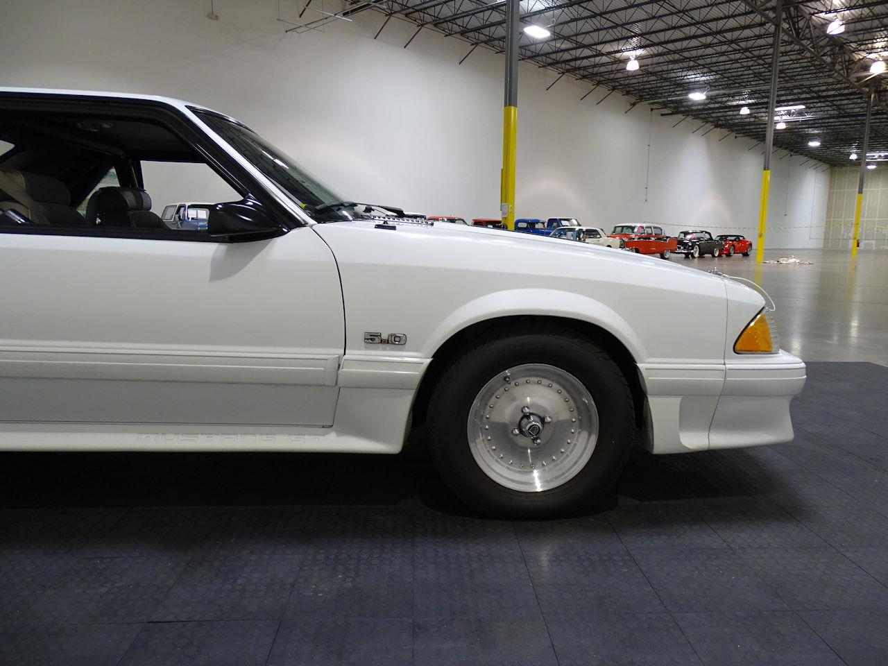 Large Picture of 1992 Ford Mustang located in Houston Texas - LC8L