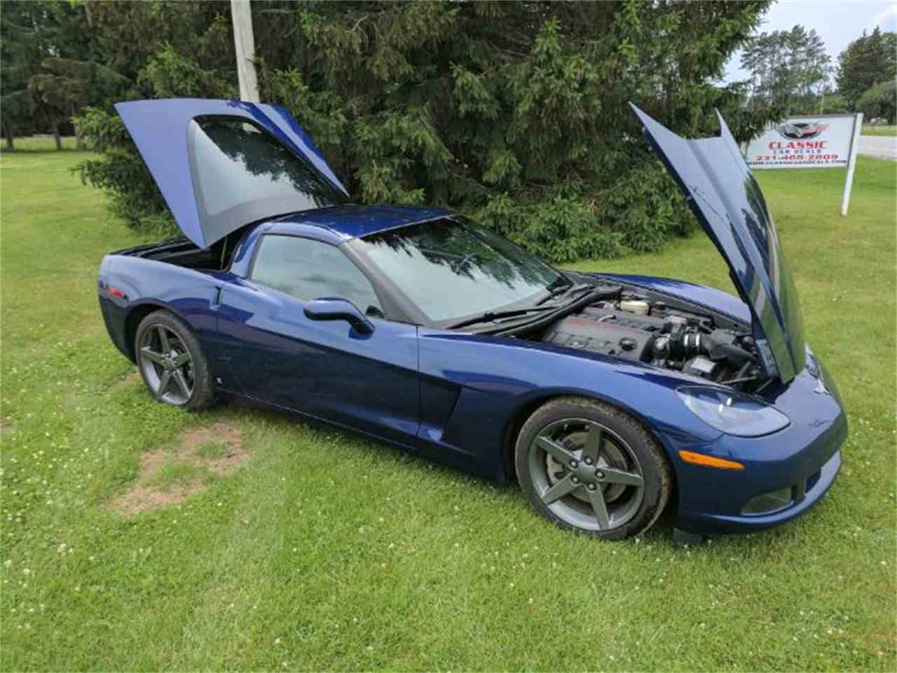 Large Picture of 2006 Chevrolet Corvette located in Cadillac Michigan Offered by Classic Car Deals - LCA1