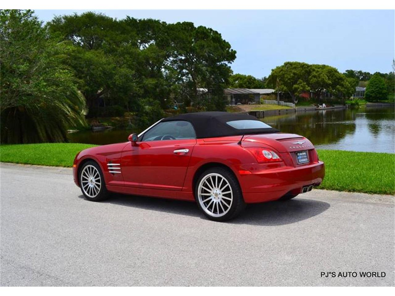 Large Picture of 2005 Chrysler Crossfire located in Florida - $10,900.00 - L7XM
