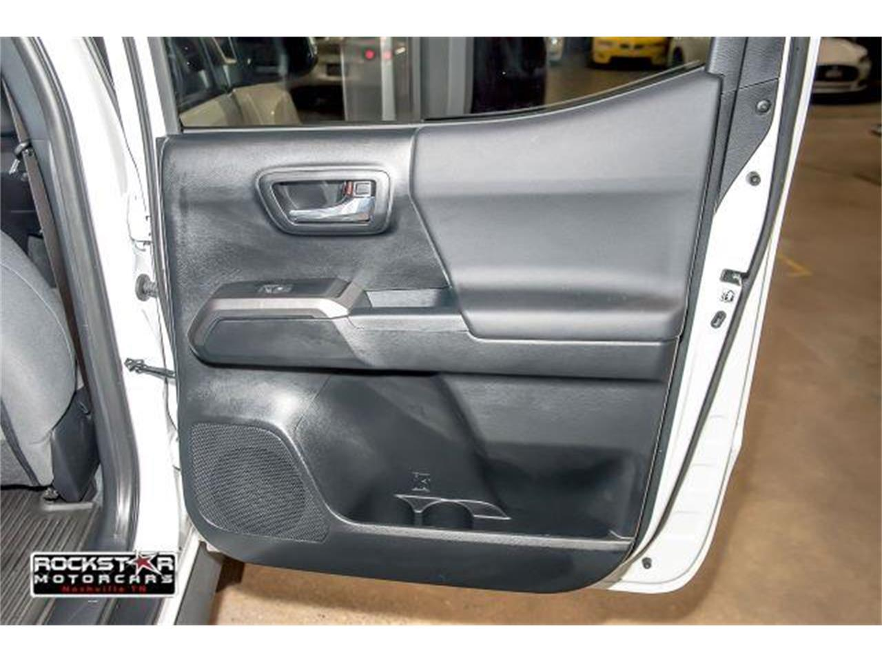 Large Picture of '17 Toyota Tacoma located in Tennessee Offered by Rockstar Motorcars - LCEU