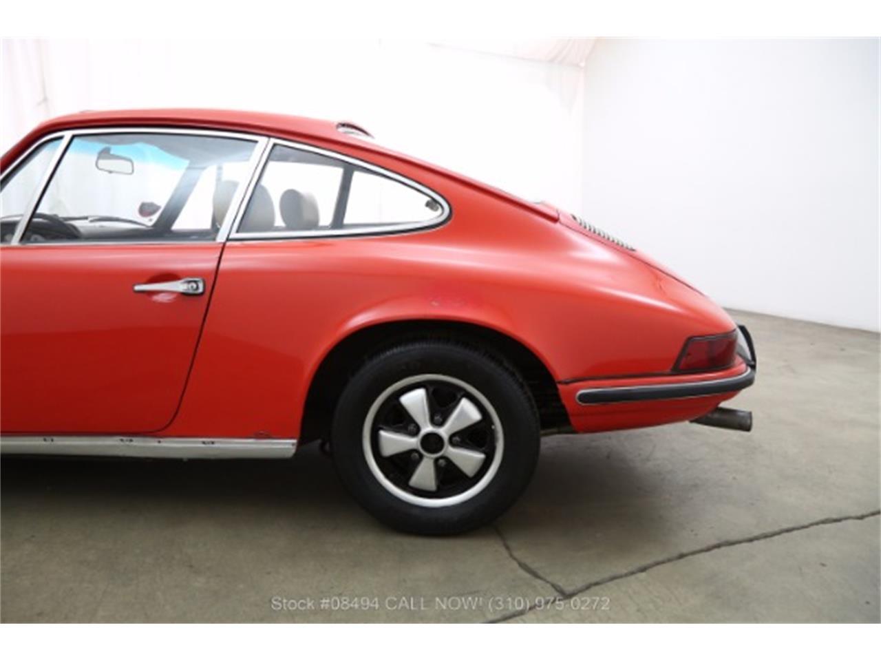 Large Picture of '69 Porsche 911E located in California - LCGT