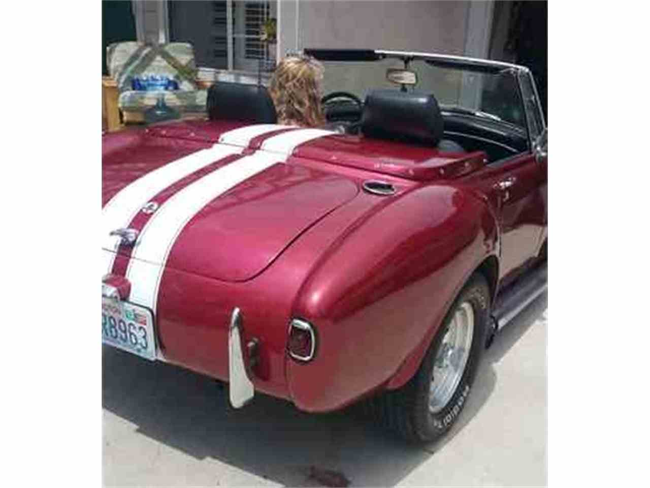 Large Picture of '72 MGB located in California - L8CV
