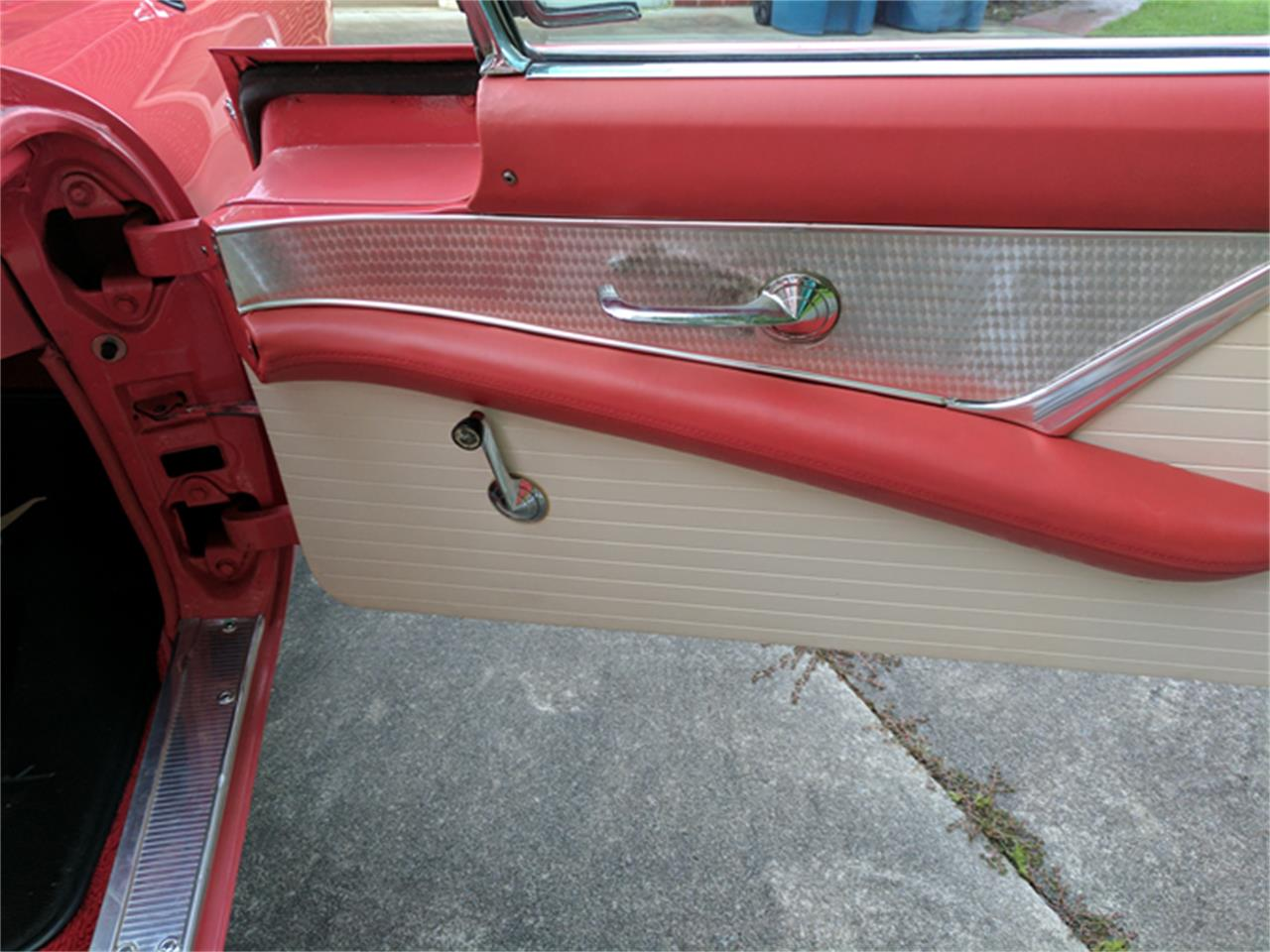 Large Picture of Classic 1956 Thunderbird - LCMP