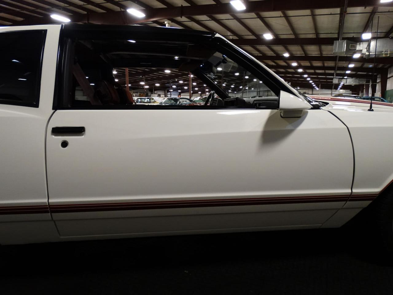 Large Picture of 1987 Chevrolet Monte Carlo located in Indiana - LCNU